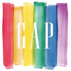 レインボーウィーク2014に賛同し、〈GAP〉のロゴがレインボー仕様に。
