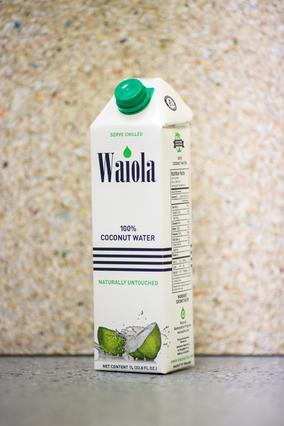 ハワイ生まれのココナッツウォーター「Waiola」に大型サイズが新登場