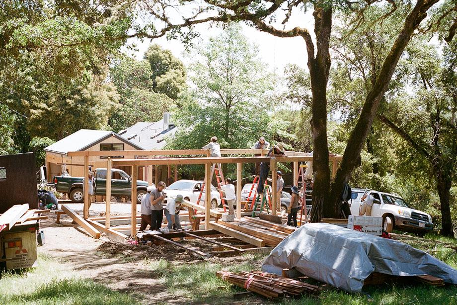 山の上に家を建てるワークショップ<br>ユカイア・ハウスプロジェクト