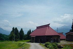 糸魚川の木を使ってお箸をつくる、<br>古民家「あきすけ」の図工クラス